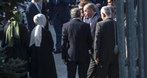 Kritik toplantıya katılan Erdoğan'ı kapıda bakan ordusu karşıladı