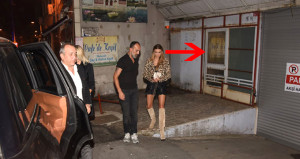 Ön kapıdan beklenen Özge Ulusoy çok pis yakalandı