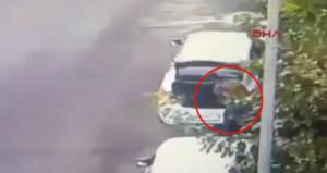 Diyarbakır'da uzman çavuşun silahlı saldırıya uğradığı anlar kamerada!