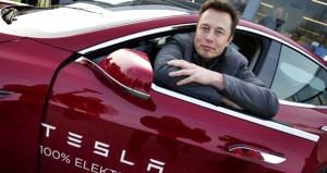 Musk'tan skandal açıklama: Jobs ahmağın tekiydi