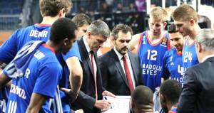 EuroLeaguede Anadolu Efes 1 sayı farkla yenildi