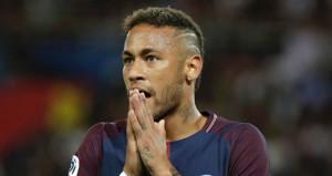 PSG'nin yıldızı Neymar evini boşalttı