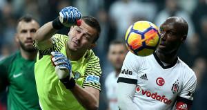 Akhisar Belediyespor kalecisi Milan Lukac rekor kırdı
