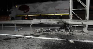 Gebze'de 3 araç birbirine girdi: 2 ölü