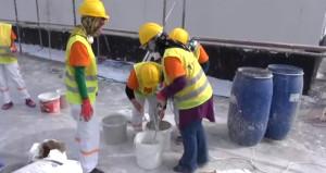 Aksaraylı kadınlar inşaat işinde erkeklere taş çıkardı