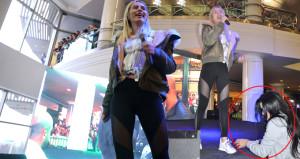 Anne Tilki'den konserdekileri şaşkına uğratan hareket