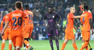 Galatasaray, 5-1'lik hezimetin faturasını çıkardı
