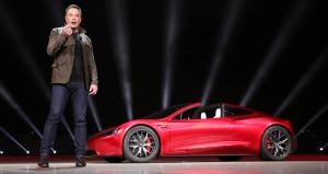 Musk, gözünü yükseğe dikti! Uçan otomobil geliyor