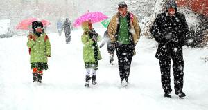 Ve ilk kar tatili de geldi! 2 beldede eğitime 1 gün ara verildi