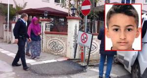 Kendisini komşusuyla yatakta basan 10 yaşındaki oğlunu öldürdü!