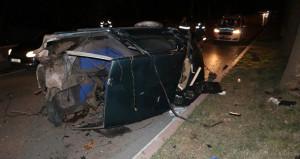 Kontrolden çıkan araç, ağaçlara çarpıp ikiye ayrıldı: 5 yaralı
