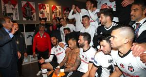 Beşiktaşlı yıldız futbolcu, zafer fotoğrafına girmedi