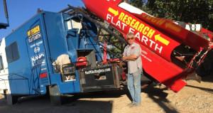 'Dünya düzdür' diyen çılgın ABDli, ev yapımı roketle havalanacak