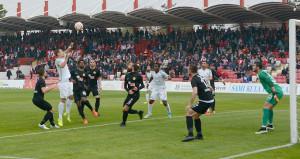 Eskişehirsporda sular durulmuyor! Futbolcular protesto etti