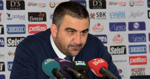 Gençlerbirliği teknik direktörü Ümit Özat maç sonu isyan etti