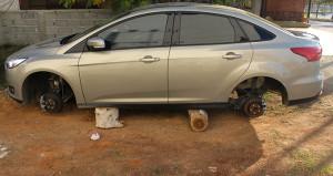 Yer: Adana! Aracının başına giden sürücü neye uğradığını şaşırdı
