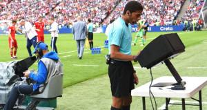 Fransa Ligue 1de gelecek sezon VAR kullanılacak
