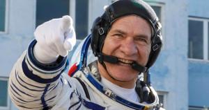 Tam 60 yaşında! Dünyanın en yaşlı astronotu evine geri döndü