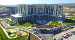 Türkiyenin en büyük hastanesi açılış için gün sayıyor