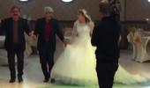 5'inci evliliğini 19'luk kızla yapan muhtarın düğününe kimse katılmadı