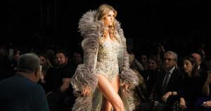 İzmir sallandı! Victoria's Secret meleği Türkiye'de göz kamaştırdı
