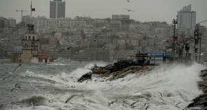 Hem AKOM, hem Meteoroloji uyardı! İstanbul için alarm verildi