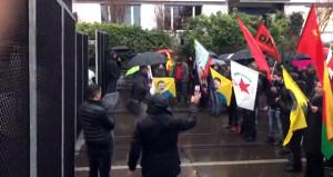 Mehmetçik YPG'yi vurdu, telaşlanan terör yandaşları sokağa indi