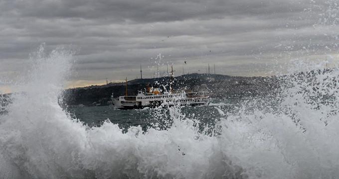 Su seviyesi 4 metreye yükseldi, iptal haberleri peş peşe geldi