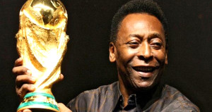 Futbol efsanesi Pele, hastaneye kaldırıldı
