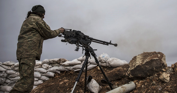 Sınırdan sıcak görüntüler! Muhalifler, silahlarını Afrin'e çevirdi