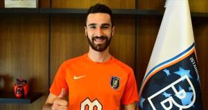 Başakşehir, yeni transferi resmen açıkladı