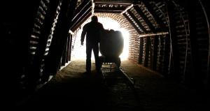 Madende hayatını kaybedenlerin ailelerine devlette kadro verilecek