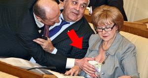 Bu görüntü mecliste çekildi! Görenler şoke oldu