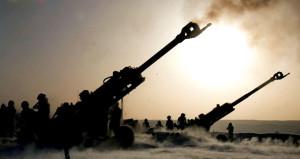Afrin'deki teröristlere top atışı! Sesler il merkezinde yankılandı