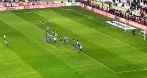 Yeni takımındaki ilk şutunda Trabzonsporu yıktı