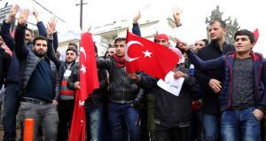Suriyeliler askerlik şubesinin önünde sıraya girdi!