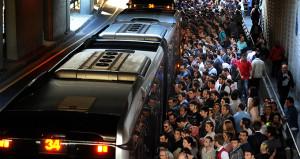 Metrobüs kullanan yolcu sayısı belli oldu! 1 yılda 22,4 milyon arttı