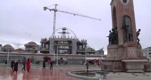 Taksime yapılan yeni caminin kubbesi yükseliyor