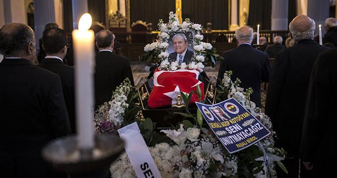 Tek koluyla şifa dağıtmıştı, Türk bayrağıyla ebediyete uğurlandı