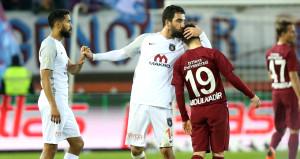 Trabzonspor - Başakşehir maçında olay yaratan kare!