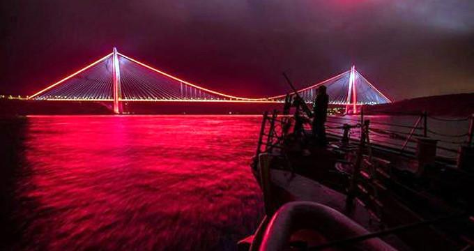 ABD Donanması Üçüncü Köprü'ye hayran kaldı
