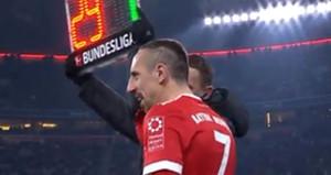 Bu hareket Beşiktaşlıları kızdırdı: Hitleri de al oyuna Hitleri