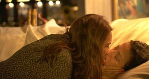 Yeşim Salkım, kadın kadına öpüştü! Bu sahneler çok konuşulacak