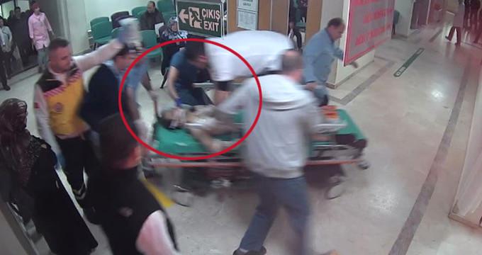 Doktor, yaralıyı sedyenin üzerine çıkarak yaptığı masajla kurtardı
