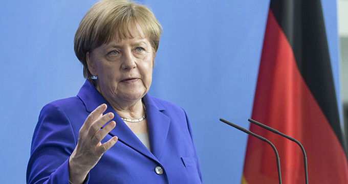 Merkel, Esad rejiminin sivil katliamını kınayıp Rusya'ya çağrı yaptı!