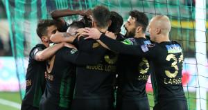 Akhisarspor sahasında Konyaspora göz açtırmadı