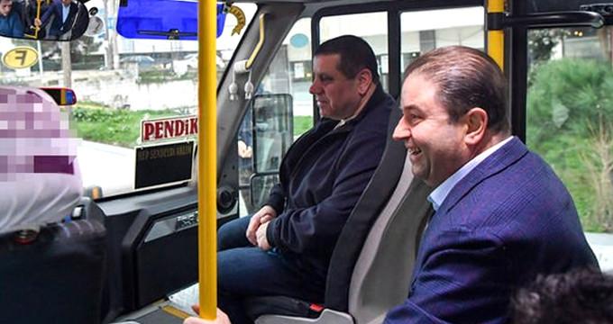 Başkan, makamına minibüsle gitti!