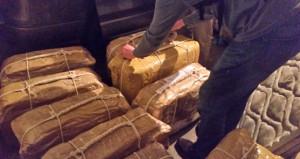 Diplomatik kurye ile uyuşturucu kaçıran çete çökertildi