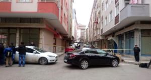 İstanbul'da koca dehşeti! Eşini, üvey oğlunu ve baldızını vurup kaçtı