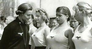 Nazi Almanyası'nda genç kızları böyle kullandılar